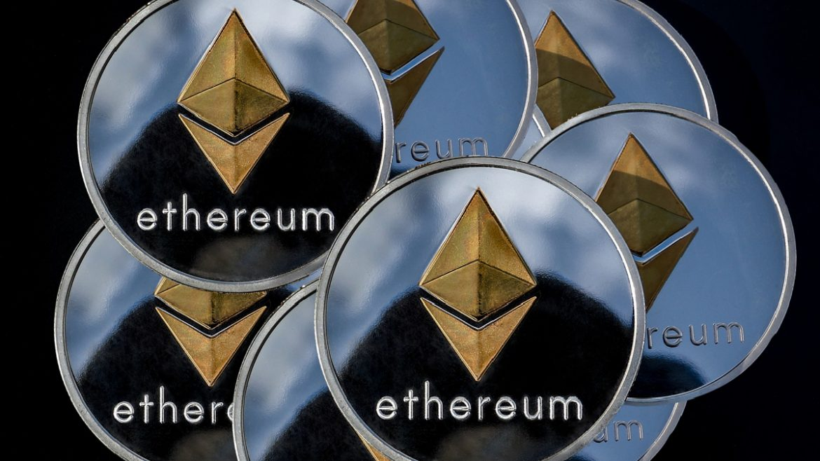 , Trading Pair Ethereum and Silver | Historical Price Patterns Overview